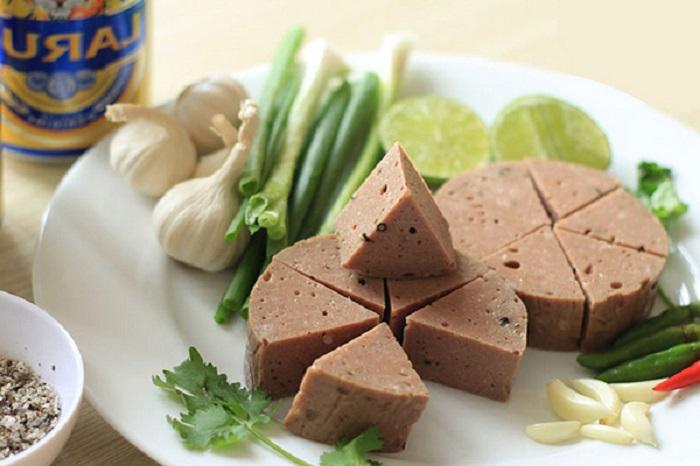 Đặc sản chả bò Đà Nẵng